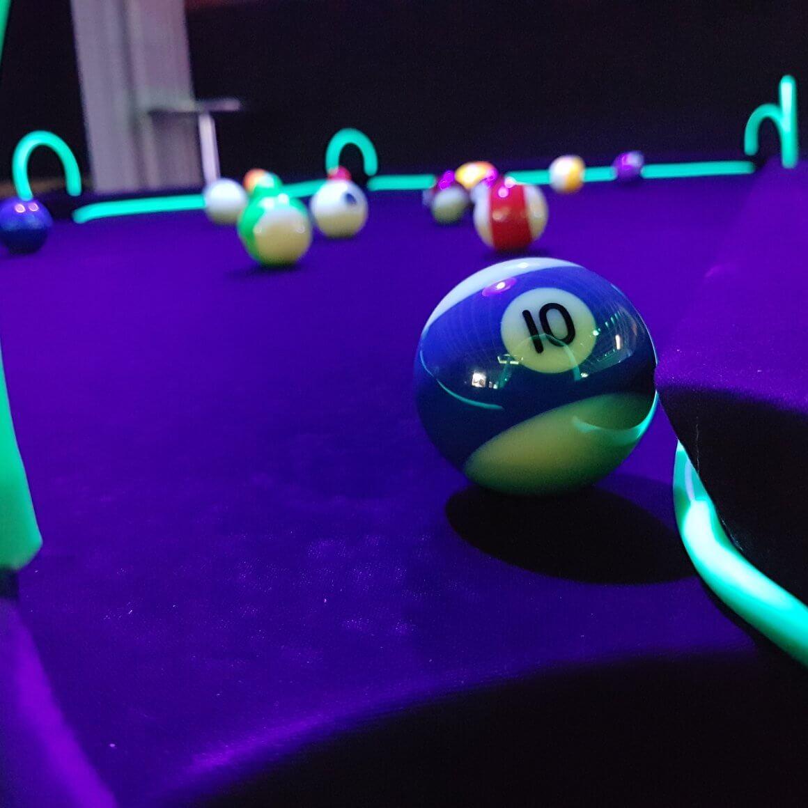 Schwarzlicht UV Billard